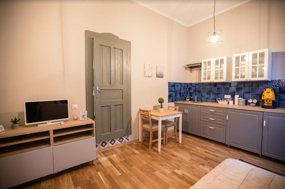 mathe apartments 8.27