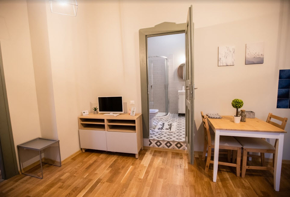 mathe apartments 8.28